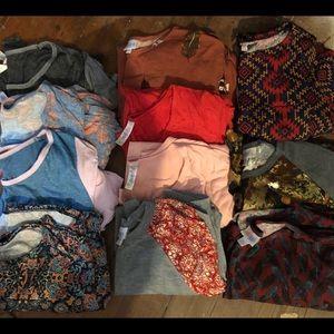 Lot of LulaRoe shirts and leggings!